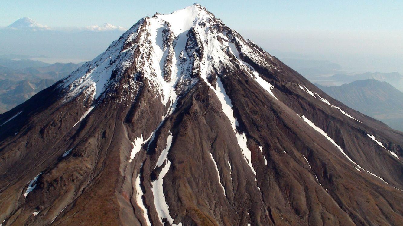 Обои горный рельеф, вулканического рельефа, горный вулкан, стратовулкан, гора в разрешении 2560x1440