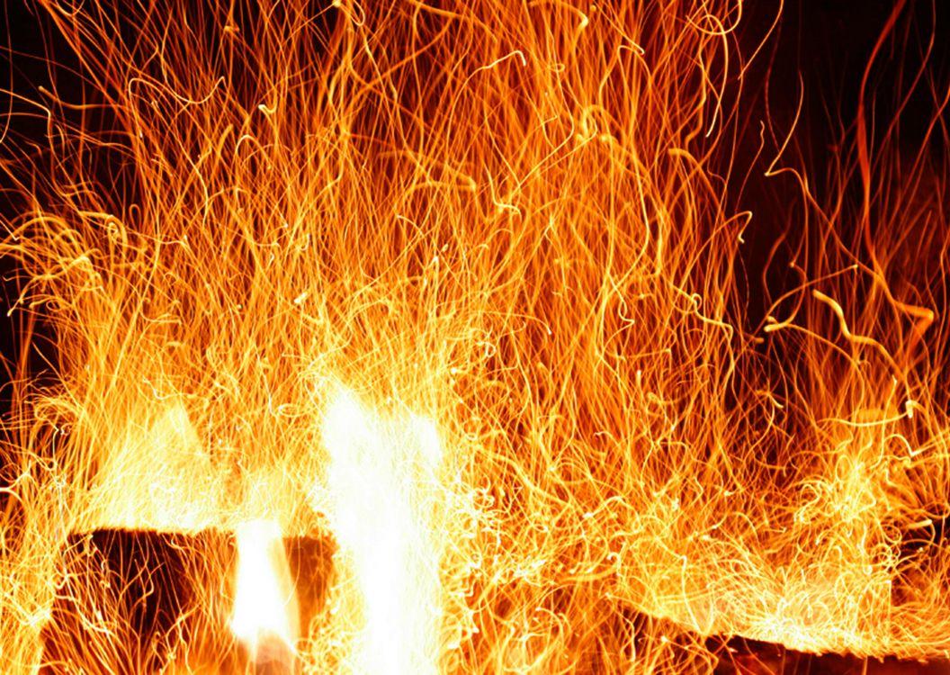 сети можно картинка пылающий огонь коттеджах, помимо этого