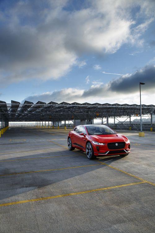 Обои компактный автомобиль, электромобиль, автомобили jaguar, спорткар, Jaguar I-Pace в разрешении 3648x5472