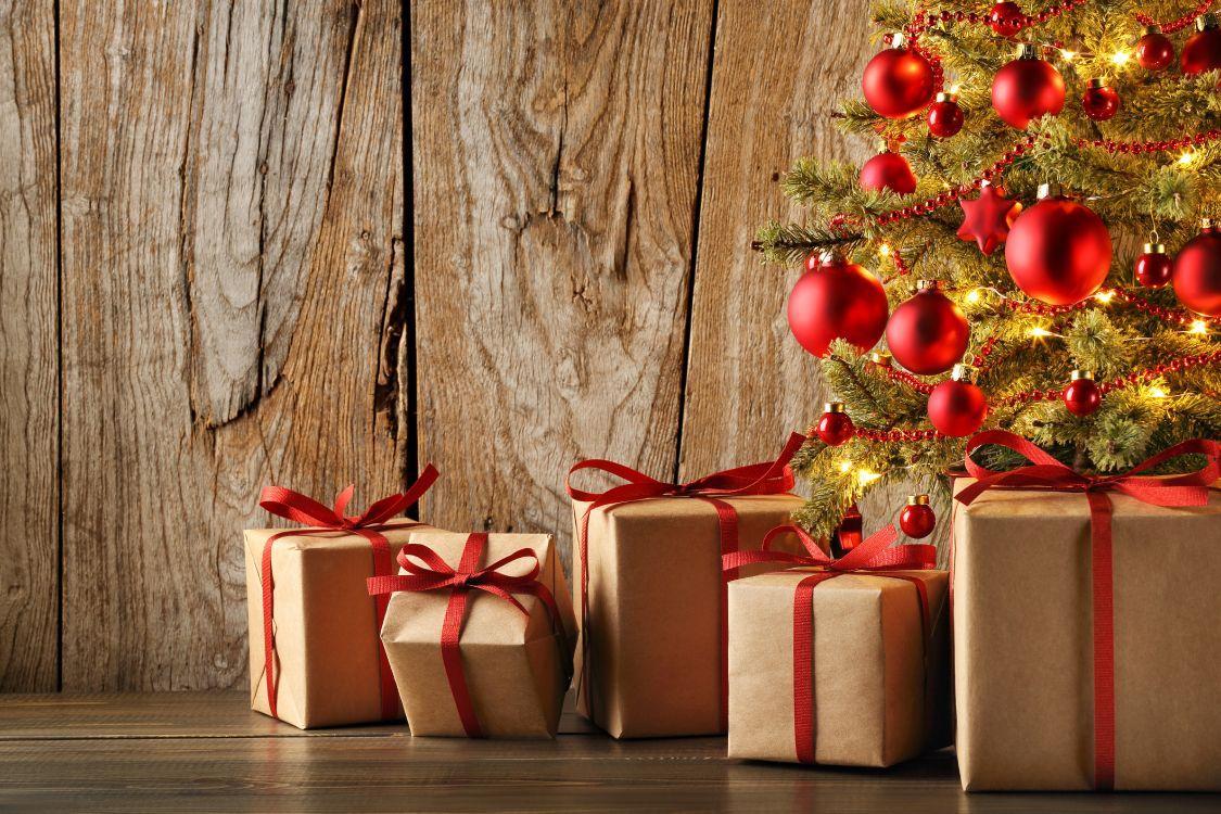 Обои настоящее время, дерево, праздник, Рождество, красный цвет в разрешении 5760x3840